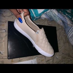 Guess slip on shoe